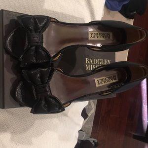 Badgley Mischika peep toe pumps!
